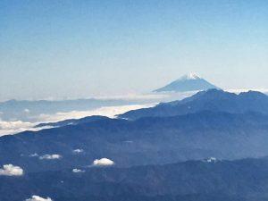 雲海の中の富士山-1-300x225